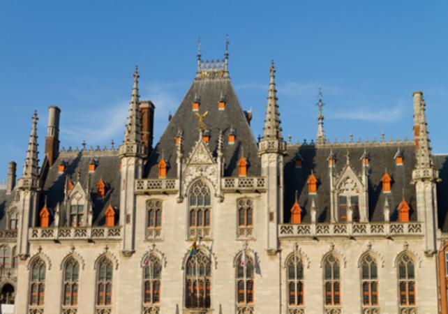 Visite privée de Bruges et ses Musées – déjeuner traditionnel inclus image 4