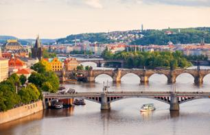Guided boat tour on the Vltava and visit of the Prague zoo