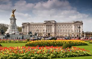 Tour of Buckingham Palace – 24-hour bus pass, guided themed tour and Thames river cruise