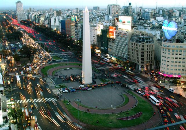 City tour de Buenos Aires et déjeuner au restaurant Rodizio image 1