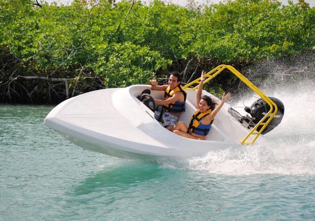 Photo Tour en hors-bord dans les mangroves et plongée avec tuba au départ de Cancun / Playa del Carmen