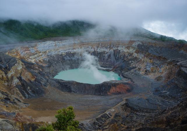 Balade au sommet du volcan Poás, l'un des plus larges volcans du monde - San José (Costa Rica) -