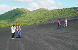 Private excursion to Cerro Negro volcano and sleigh descent - Leaving from Managua