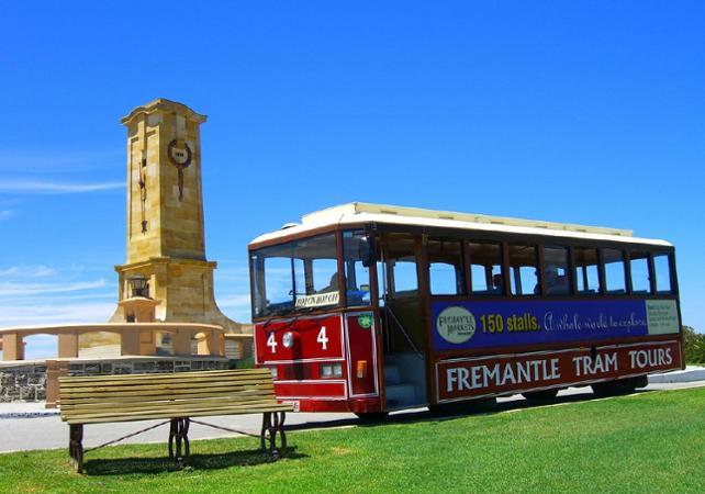 Photo Tour 3 en 1 : visite guidée de Perth, tour de Fremantle en tram et croisière sur le fleuve Swan