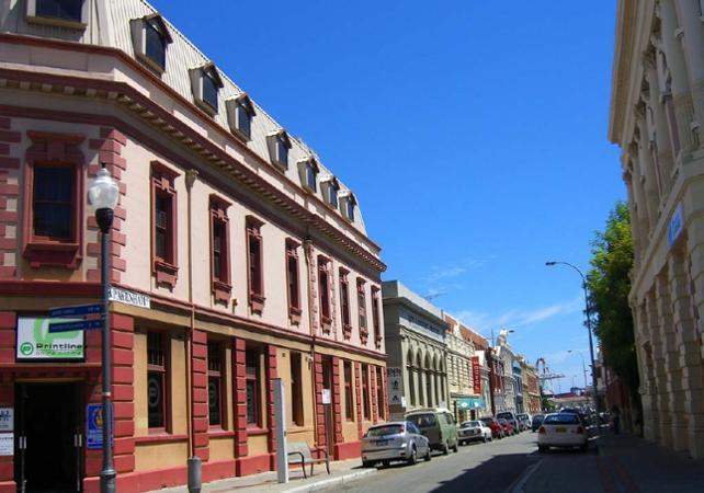 Tour 3 en 1 : visite guidée de Perth, tour de Fremantle en tram et croisière sur le fleuve Swan image 4