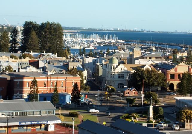 Tour 3 en 1 : visite guidée de Perth, tour de Fremantle en tram et croisière sur le fleuve Swan image 6