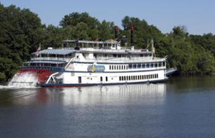 Musical Cruise and Lunch Aboard the General Jackson on the Cumberland River in Nashville
