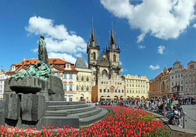 Photo Visite guidée de Prague en bus et à pied