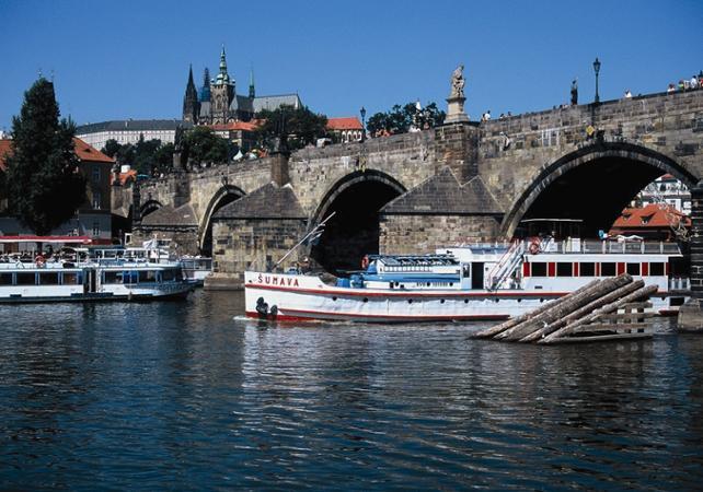 Déjeuner croisière sur la Vltava - multilingue - Prague -