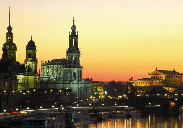 Salir de la ciudad,Excursión a Dresde,Con entrada al Palacio Zwinger y Galería Semper