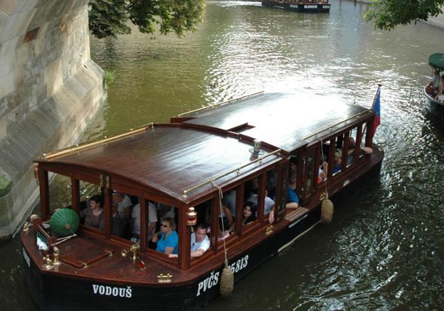 Ver la ciudad,Visitas en barco o acuáticas,Crucero por el río Moldova,Crucero