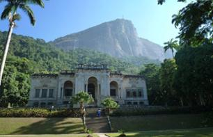 Rio Hike – Climb up Corcovado via Parque Lage