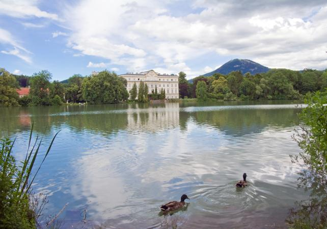 Around Salzburg: Salzkammergut Lake District Tour