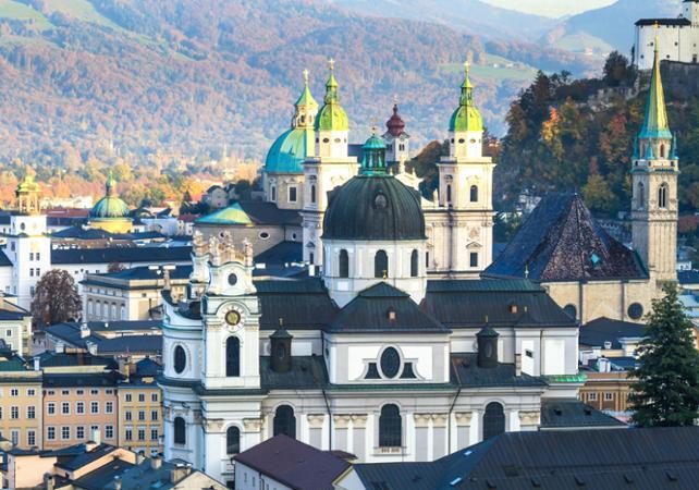 Visite de Salzbourg en bus à arrêts multiples – Pass transport 1 ou 2 jours image 1