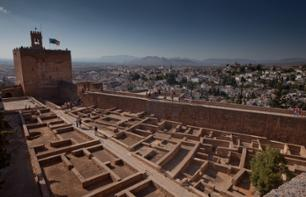 Guided Walking Tour of the Alhambra and Admission to the Arab Baths in Granada – Optional massage