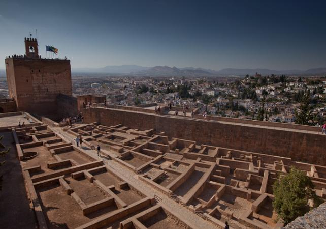 Photo Visite guidée à pied de l'Alhambra et accès aux bains arabes à Grenade - massage en option