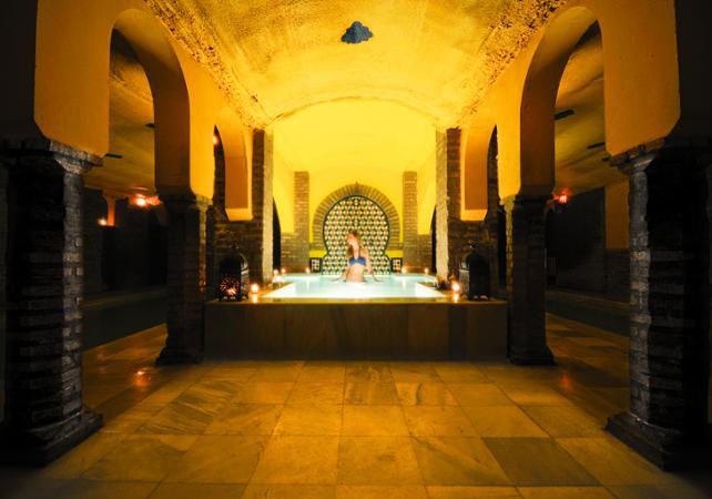 grenade visite guid e pied de l alhambra et acc s aux bains arabes grenade massage en option. Black Bedroom Furniture Sets. Home Design Ideas