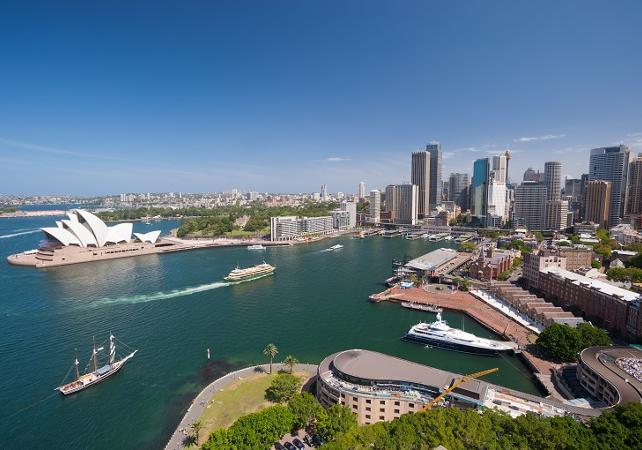 Visite guidée de Sydney et de Bondi Beach - Tour en minibus et à pied image 1