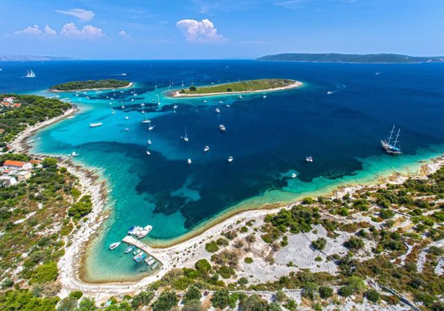 Photo Excursion d'une journée au Lagon Bleu, île de Drevnik, île de Šlota au départ de Split