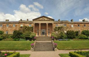A guided Hillsborough Castle visit & access to the gardens - 22km from Belfast