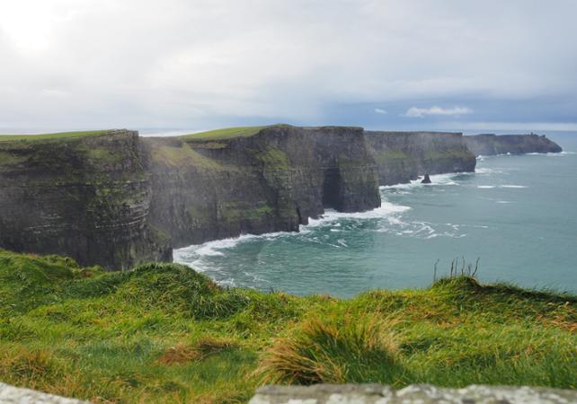 Excursion aux falaises de Moher – tour en bateau inclus - Au départ de Dublin image 1
