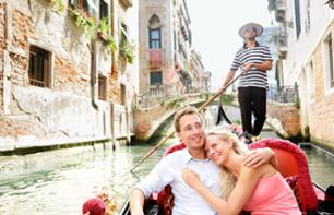 Romantic Evening in Venice: Private Gondola Ride & Candlelit Dinner