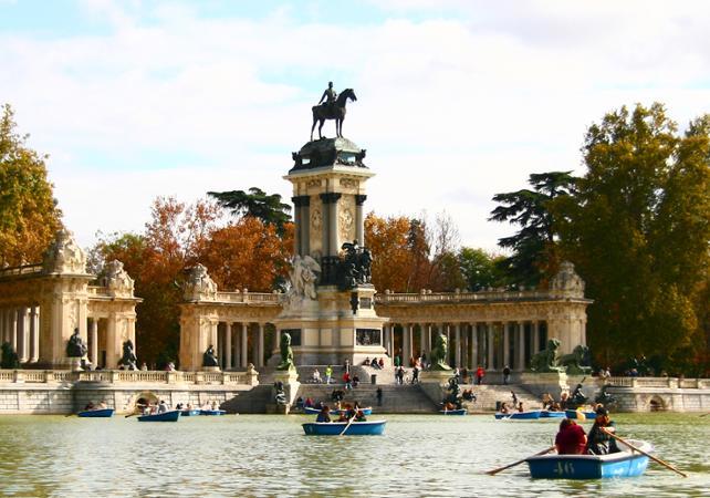 Photo Visite guidée en bus et à pied de Madrid et du musée du Prado