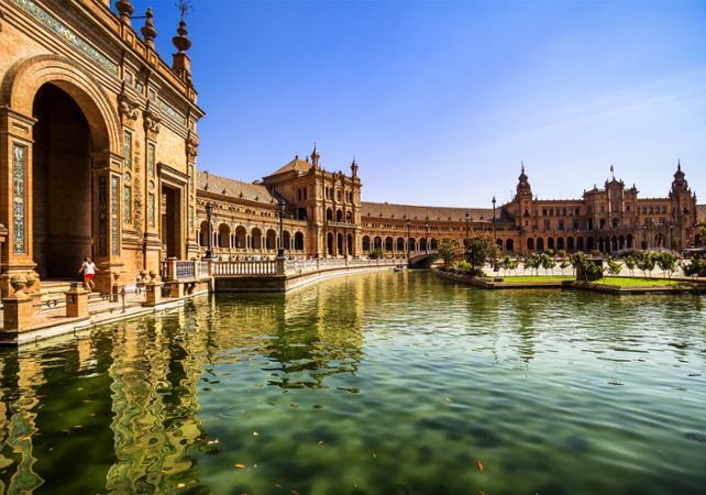 Photo Séville en minibus et en bateau : Alcazar, la cathédrale, la basilique de la Macarena et les arènes de la Real Maestranza