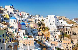 Guided Tour: Santorini's Traditional Villages and Sunset at Oia