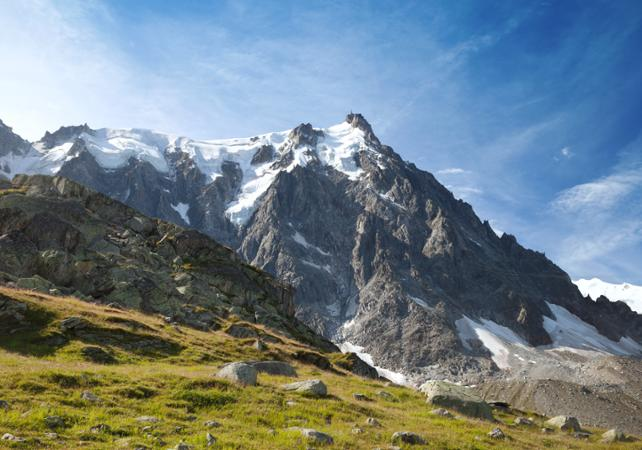 Ski Day Trips: Half Day Skiing in Chamonix and Ticket for