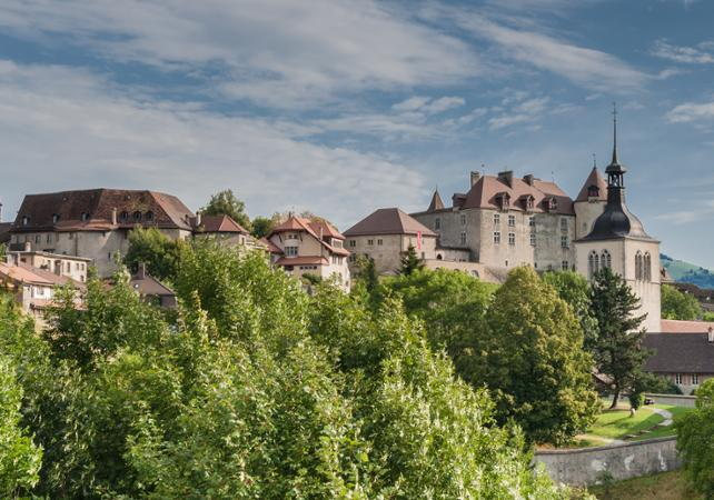 Photo Excursion à Gruyères, dégustation de chocolats et de fondue + tour panoramique en Golden Express-  au départ de Lausanne