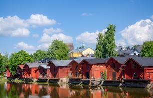 Guided walking tour of Porvoo with traditional Finnish lunch