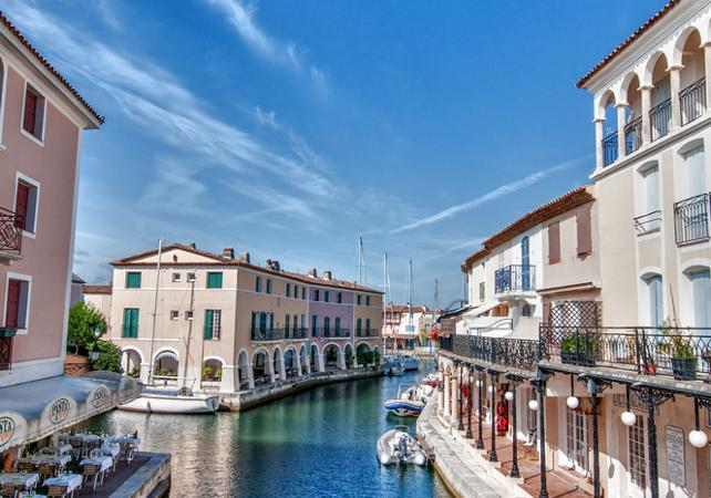 saint tropez from cannes day trip to port grimaud and st. Black Bedroom Furniture Sets. Home Design Ideas