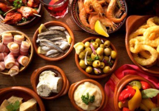 Photo Tour guidé de Malaga à vélo et dégustation de tapas et de vin