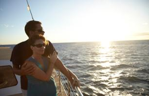 Sunset Catamaran Cruise with Aperitif - Waikoloa, Big Island (Hawaii)