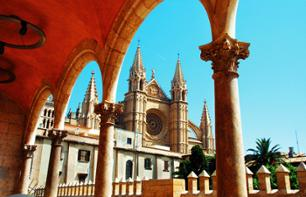 Sightseeing Bus Tour of Palma de Mallorca
