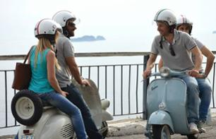 Tour guidé de la côte Amalfitaine en vespa de collection - au départ de Naples