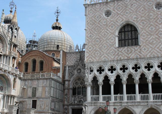 Photo Visite guidée à pied de Venise et ses incontournables: le Palais des Doges et la Basilique Saint Marc (coupe-file)