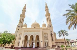 Guided Tour of Dubai and its Historic Sites by Minibus and on Foot