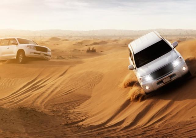 Photo Safari dans le désert de Dubaï - 4x4, BBQ et activités au coucher du soleil