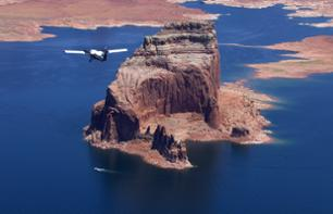 Fy over Horseshoe Blend on a plane and discover Antelope Canyon through a guided visit - departure from Page