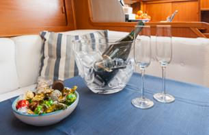 Private Evening with a Romantic Dinner for Two on a Boat in the Port of Cagliari