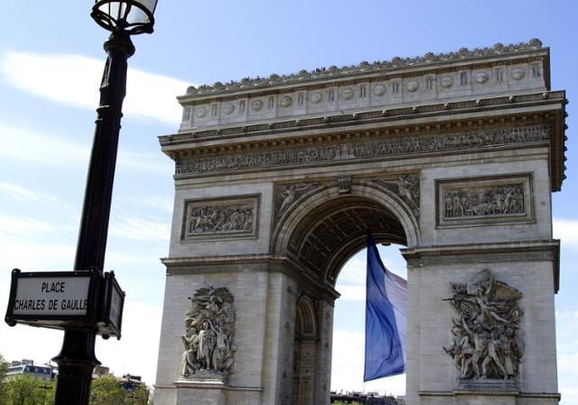 2 Jours à Paris - Billets Eurostar, visite panoramique, déjeuner à la Tour Eiffel avec billet coupe-file et hébergement en hôtel 4* - au départ de Londres - Londres -