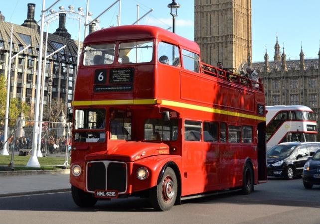 Tour de Londres en bus vintage et croisière sur la Tamise avec Afternoon Tea luxueux - Londres -