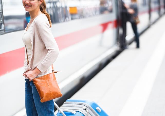 Transfert DEPUIS la gare d'Avignon TGV VERS Avignon, Arles, Gordes et St Rémy (soirée et dimanche) - Avignon -
