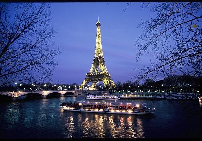 Croisière Seine & Spectacle Moulin Rouge – Avec transport retour inclus - Paris -