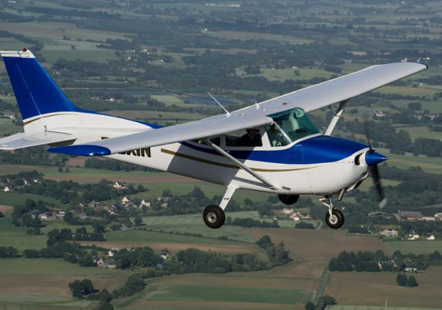 Pass initiation pilotage d'un avion - 2 personnes - Rennes -