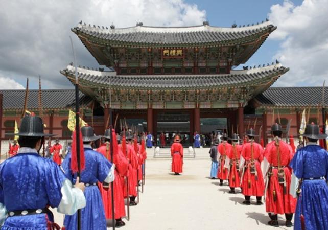 Photo Visite guidée du palais Gyeongbokgung et du temple Jogyesa