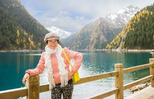 Private Bus Tour to Jiuzhaigou and Huanglong – 4-day and 4-night excursion departing from Chengdu