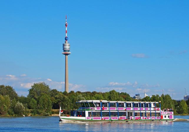 Croisière en bateau et tour panoramique de Vienne- départ de votre hôtel image 1